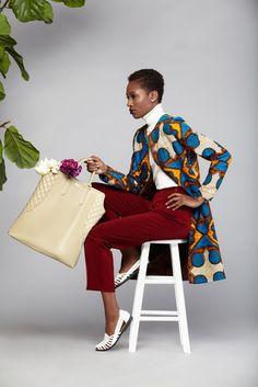Asiyami Gold Automne Hiver 2014; un lookbook comme on aime en voir: épuré, avec des pièces chics et très bien mis en valeur. La créatrice de la marque est fan de design, de voyage et de photographie, ce qui ressent dans l'univers Asiyami Gold, basée à Atlanta. Les modèles Sooraya W. et Clarke Flowers subliment ...
