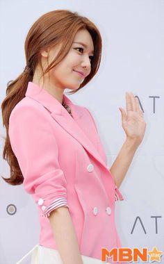 Sooyoung Snsd, Kim Hyoyeon, Girls Generation, South Korean Girls, Korean Girl Groups, Classy Girl, K Idol, Girl Day, Korean Model