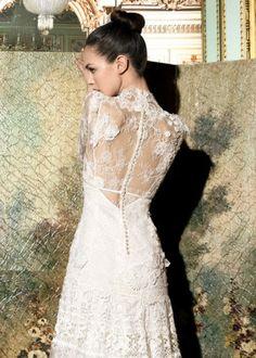 Vestidos de noiva com costas bordadas de flores #yolancris #casarcomgosto