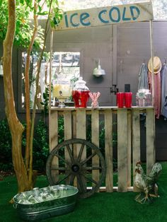 Pallette Lemonade Stand // How To Host a Backyard Barbecue Wedding Shower : Home Improvement : DIY Network