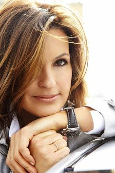awesomepeopleontv:  Mariska Hargitay as Det. Olivia Benson, Law and Order: Special Victims Unit (Season 13 promo shoot)