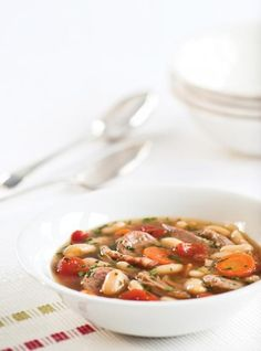Soupe cassoulet Soup Recipes, Cooking Recipes, Ricardo Recipe, Navy Bean, Gumbo, Kung Pao Chicken, Ratatouille, Bruschetta, Stew