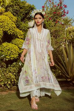855238ab66 Farah Talib Aziz Luxury Pret 2018 PASTEL FLORA with model Yasmeen Hashmi