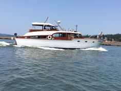 Pontoons, Classic Wooden Boats, Classic Yachts, Cabin Cruiser, Chris Craft, Houseboats, Motor Yacht, Rivers, Planes