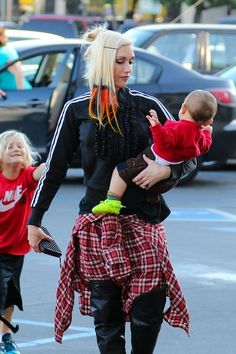 Gwen Stefani takes her boys Kingston, Zuma and Apollo shopping