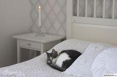 ikea,katt,lantligt,ljusstake,säng