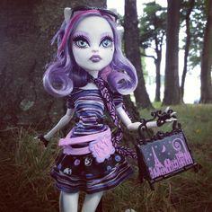 Catrine DeMew - Monster High Doll