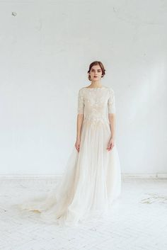 Lace wedding dress // Thalia / Tulle wedding gown, boat neckline wedding dress, modest bridal gown, buttons on back, classic wedding - Braut Tulle Wedding Gown, Wedding Dress Necklines, Wedding Dress Sleeves, Long Sleeve Wedding, Modest Wedding Dresses, Bridal Gowns, Long Dresses, Dress Lace, Flattering Wedding Dress