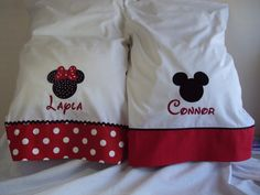 2 DISNEY Minnie and Mickey Mouse Pillowcases, Embroidered Disney 2017, Disney Diy, Disney Crafts, Disney Cruise, Disney Trips, Disney Ideas, Disney Autograph Ideas, Disney Pillows, Disney Fabric