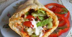 Przepis na domowy kebab był wyróżniony w gazetce Przyślij Przepis. Powszechnie wiadomo, że fast foody są niezdrowe. Dlatego zamiast jeść na ... Lunch Box, Food And Drink, Pizza, Baking, Tortillas, Ethnic Recipes, Dinners, Eten, Cake Rolls
