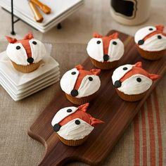 Fun Fox Cupcake - Anyone can make these fun treats with our simple decorating techniques of dots for facial features and pull-out leaves for ears. Use Wilton copper and orange icing colors to achieve that beautiful copper shade.