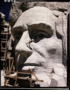 CARVING OF MOUNT RUSHMORE (Abraham Lincoln's face)