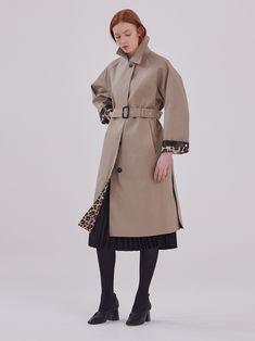 #womenswear #fashion #womensfashion #style #menswear #ootd #fashionblogger #womenstyle #instafashion #streetstyle #fashionista #onlineshopping #women #shopping #clothing #streetwear #trendy #stylish #womensstyle #womenfashion #instastyle #instagood #dress #clothes #dresses #handmade #designer #fashiondesigner #fashionstyle #bhfyp Chesterfield Coat, Double Breasted Coat, Single Breasted, Hooded Wool Coat, Short Trench Coat, Collarless Jacket, Aberdeen, Rubber Raincoats, Mac