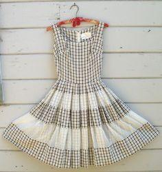 Pretty vintage summer dress