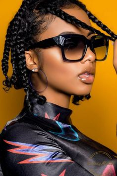 Ecstasymodels im soo groovy shades by jimmy choo photos by shotbysed model nadirah ali 10 summer 2019 makeup trends you need to get on board with Black Girls Hairstyles, Afro Hairstyles, Latest Hairstyles, Curly Hair Styles, Natural Hair Styles, Natural Beauty, Pelo Natural, African Braids, Plaits