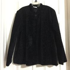 My Black Alfred Dunner Faux Fur Coat by Alfred Dunner! Size 16 / XL for $$59.00. Check it out: http://www.vinted.com/womens-clothing/faux-fur-coats/21310742-black-alfred-dunner-faux-fur-coat.