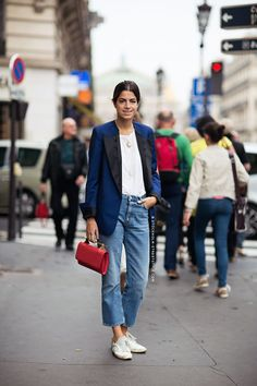 blazer + cropped flare jeans + white sneakers