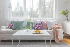 Kesäniitty Cushion Cover   Pentik Summer 2018   Designed by Lasse Kovanen, Kesäniitty (Summer Meadow) cushion cover charms with meadow flowers and butterflies. Its fresh, watercolour-like colours make your summer home prettier than ever. 45x45 in size, Kesäniitty cushion cover is perfect with Pentik's 48x48 cm inner cushion. Made of 100% cotton, this cushion cover can be machine washed at 60 degrees with a gentle program.