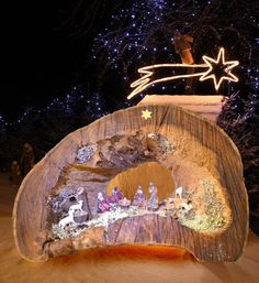 Capanna presepe fai da te Christmas Crafts, Christmas Minis, Decoration, Diorama, Painting, Speakers, Furniture, Wood Art, Christmas Decor