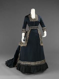 Mourning dress 1872-74
