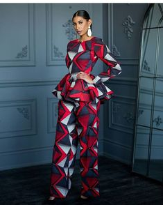Stunning ankara dresses for work - DarlingNaija African Fashion Ankara, African Inspired Fashion, Latest African Fashion Dresses, African Dresses For Women, African Print Dresses, African Print Fashion, African Attire, African Wear, African Women