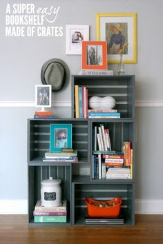 16 ways to use apple crates in your home: Modern, crate, bookshelf, grey paint Crate Bookshelf, Bookshelf Ideas, Bookshelf Plans, Bookshelf Design, Wood Crate Shelves, Storage Crates, Tv Storage, Record Storage, Apple Crate Shelves