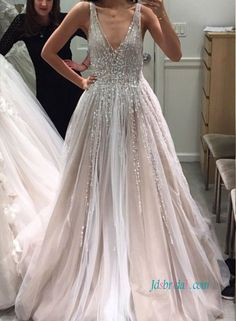Tulle Deep V Neck Long Wedding Dresses Bridal Gown with Sleeveless 123ea3bca757