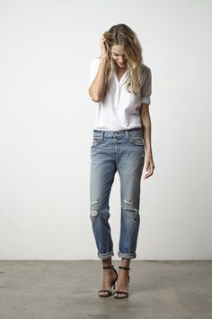 Tucked in? I love the collar and the loose-ness of the blouse. Does tucked in really work? For what kind of jeans?