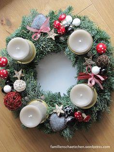 advent - adventskranz Christmas Advent Wreath, Christmas Mood, Primitive Christmas, Christmas Decorations To Make, Xmas, Holiday Decor, Advent Wreaths, Deck The Halls, Jingle Bells
