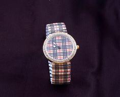 Aliexpress.com: Compre 2014 Nova moda meninas de aço inoxidável analógica Rodada Dial de pulso Mulheres Rhinestone relógios Quartz Feminino Relogios de confiança relógio suíço fornecedores em zoe watch store