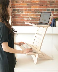 a simple and minimalist wooden stand desk is a cool and mobile piece to use at home and in any other space Diy Standing Desk, Stand Up Desk, Garden Tool Storage, Work Desk, Woodworking Jigs, Woodworking Techniques, Woodworking Furniture, Woodworking Classes, Woodworking Projects Diy