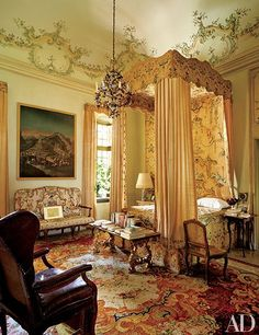 For more than three decades, her husband, Gianni Agnelli, slept in this grand room on the piano nobile; the 18th-century bed is curtained with embroidered fabric of the same period.