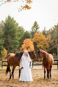 bride with horse at fall wedding in Saratoga Springs, NY | equestrian wedding ideas @sbleubridal  @12philastreet