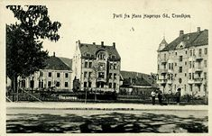 Sør-Trøndelag fylke Trondheim  Trondhjem, Hans Hagerups Gade Parti med park i forgrunnen  Utg C.A.Erichsen tidlig 1900-tallet