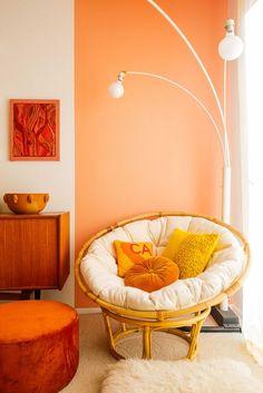27 Fresh And Beautiful Living Room Paint Color Ideas Pfirsich Wohnzimmer malen Farbideen Orange Rooms, Orange Walls, Peach Walls, Bedroom Orange, Room Paint Colors, Paint Colors For Living Room, Bedroom Colors, Peach Living Rooms, Deco Orange