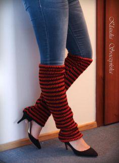 Crochet leg warmers in orange and black stripes