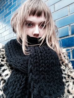 Saint Laurent's Campaign Star Kiki Willems Takes Us on a Tour of London Hipster Grunge, Grunge Goth, Cute Bangs, Perfect Bangs, Short Choppy Bangs, Over The Top, Street Style Vintage, Blonde Jokes, Garance
