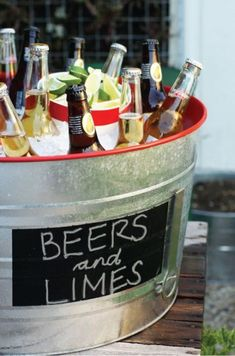 DIY: Beer Bucket Backyard Beers and limes summer party bucketBackyard Beers and limes summer party bucket Bbq Party, Party Drinks, Cocktails, Drink Bucket, Beer Bucket, Soirée Bbq, Bbq Diy, Mexican Fiesta Party, Fiesta Theme Party