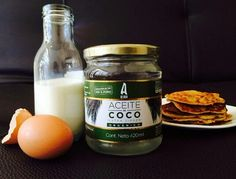 Deliciosos Pancakes con aceite de coco. 1 taza de harina (trigo/quinoa/avena) 1 taza de leche  1 huevo Si deseas puedes agregar azúcar y polvo para hornear!  Mezcla todo con un tenedor o licuadora hasta tener una consistencia cremosa.  Calienta un sartén anti adherente con un poco de aceite de coco.  Coloca la mezcla por cucharadas y dora por ambos lados.  Envíos en Cali.  3015768165/ 317 6412155