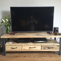 Unidad industrial de Chic reclamado madera soporte de la Tv los medios de comunicación con 3 cajones. Acero y madera Metal hecho a mano en Sheffield 336