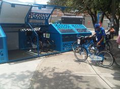 Bike hangar beside Barrio San German, Medellín, Colombia. Click image for pic via HïMY SYeD, and visit the Slow Ottawa 'Streets for Everyone' board for more bike-friendly urbanism.