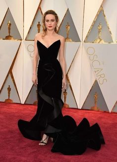 """Oscars 2017: the Vogue team's best dressed: Brie Larson in Oscar de la Renta """"Brie Larson seriously took my breath away in her black Oscar de la Renta gown — she looked classic, modern, young and elegant at the same time, which is no easy feat. I liked this year's look better than last year, when she took home a Best Actress statue wearing Gucci.""""– Erin Weinger, digital commercial editor """"Brie Larson in Oscar de la Renta is just amazing. The structure, the glamour and the way it fits..."""