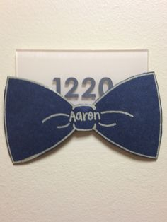 I would do this for any hall of male identified residents because usually males wear bowties for formal events I like that it's simple, but cute in my opinion I would do different colors Diy Dorm Decor, Dorm Decorations, Ra Door Tags, Door Decks, Half Doors, Residence Life, Resident Assistant, Res Life, Crafts To Do