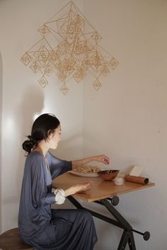 Momoko Suzuki by Jeana Sohn. Brilliant desk and gorgeous himmeli mobile.