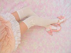 baby cute lace shoes kawaii pink bows bow sweet pastel stockings lolita Gyaru loli mypics doll pale Babydoll Hime frilly dolly nymphet frills living doll bloomers Yumetenbo nymphette himegyaru himekaji dreamv