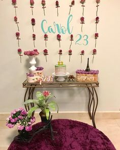 via Beautiful and beautiful mini table . 26th Birthday, Birthday Parties, 40th Birthday Decorations, Holidays And Events, Floral, Beautiful, Table Party, Home Decor, Party Ideas