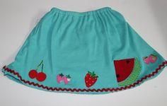 Aplicación de frutas sobre falda DIY // DIY fruit skirt. Using the different foods from The Very Hungry Caterpillar