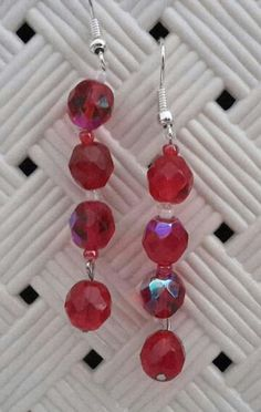 #orecchini #orecchino #faidate #handmade #perline #perlina #gioie #pendenti #pendente #gioiello #gioielli #monachelle #monachella #rosso #red