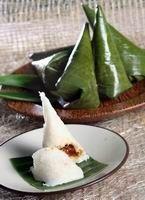 Kue Ombus – Ombus – Resep Kuliner Indonesia dan Dunia