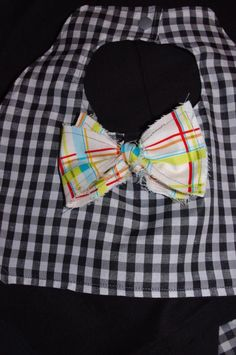 DIY Baby Bibs : DIY Bow Tie Bib Diy Bow, Baby Bibs, Diy Tutorial, Baby Items, Bows, Tie, Crafts, Fashion, Moda